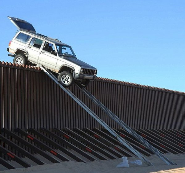 Нелегальное пересечение границы Америки