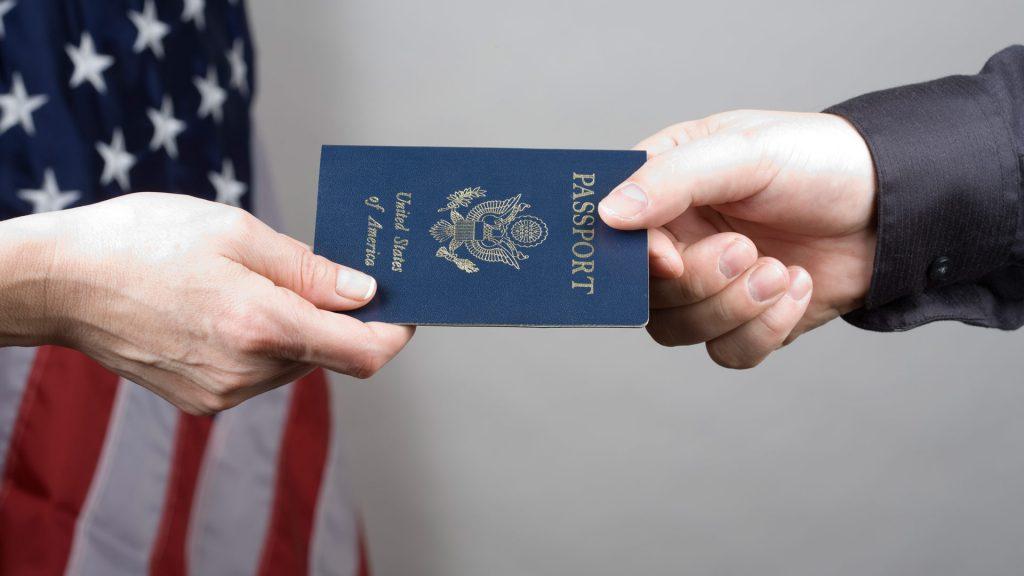 какие бывают визы в РФ для американцев