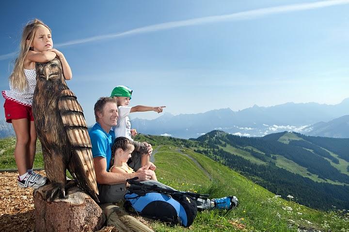 Какие документы необходимы для поездки с детьми в Австрию