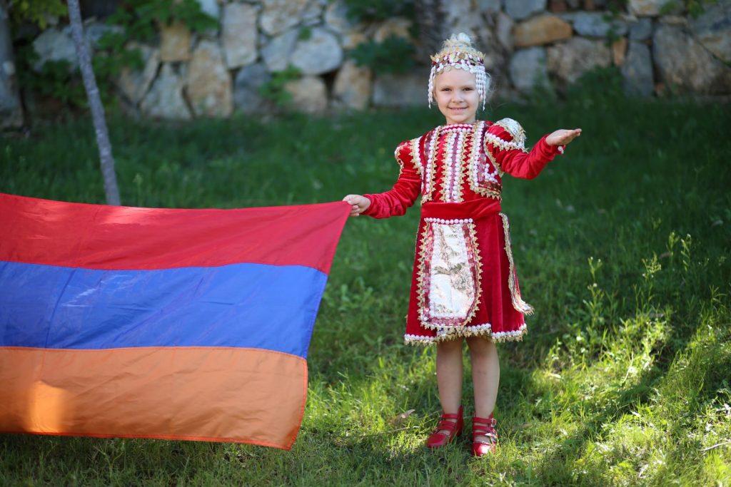 Как законно переехать в Армению